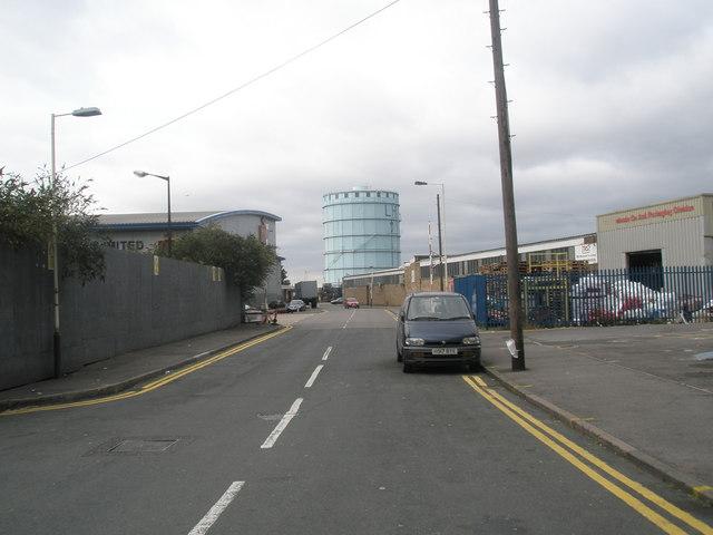 Looking westwards along Southbridge Way