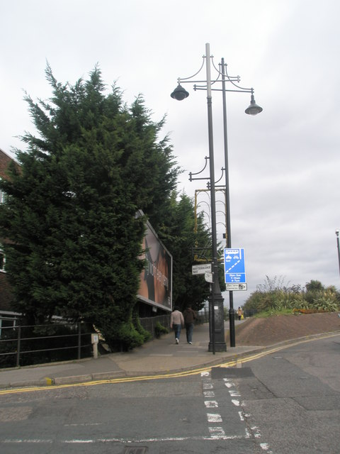 Lamppost at the junction of The Green and Southbridge Way