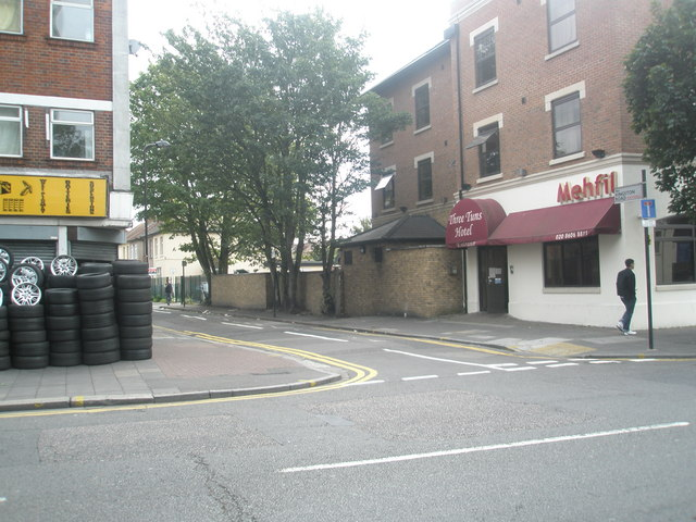 Junction of Kingston Road and The Green