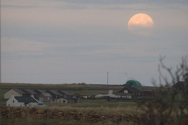 Full moon rising over Baltasound