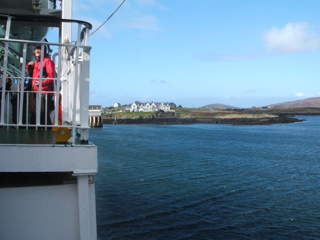Ferry manoeuvring into Lochboisdale
