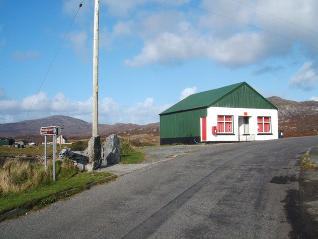 Post Office and Footpath sign, Lochboisdale
