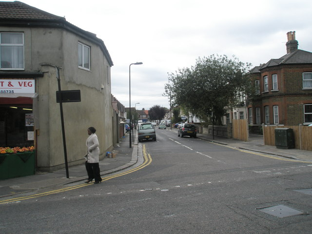 Looking from Featherstone Road into Waltham Road