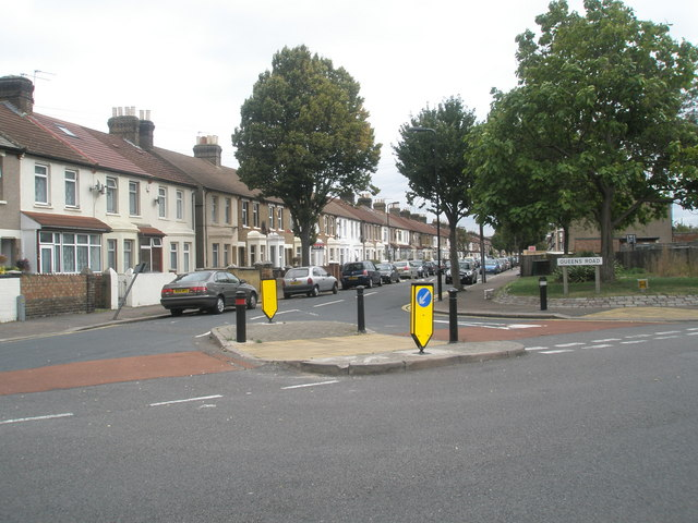 Looking from Dudley Road into Queens Road