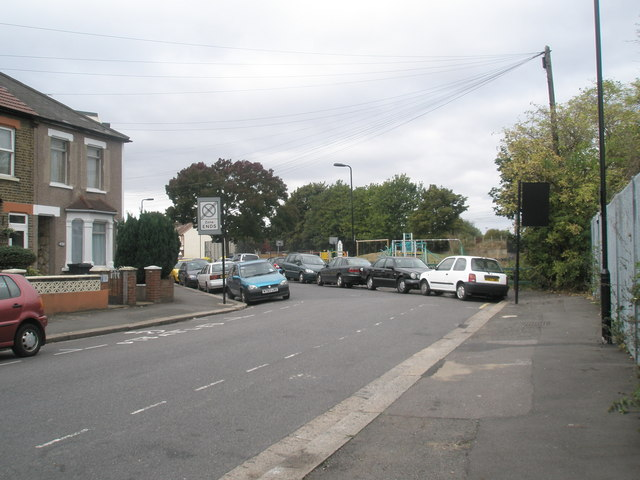 Bend as Dudley Road merges into Spencer Street