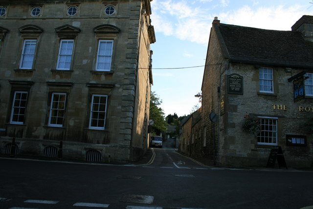 Crossroads on Witney Street, Burford