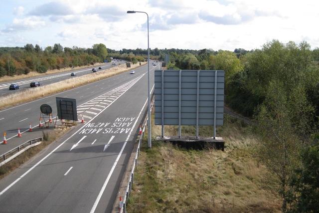 M40 westbound approaching junction 15 near Warwick