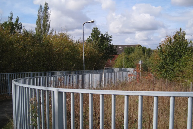 Ramp west of footbridge over M40 by junction 15 near Warwick