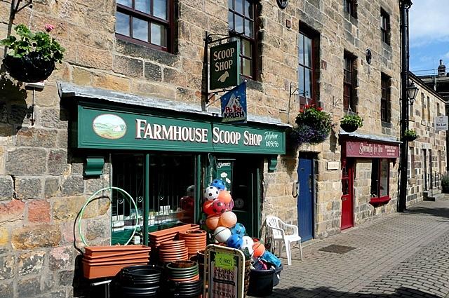 Farmhouse Scoop Shop