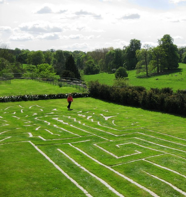 Turf maze
