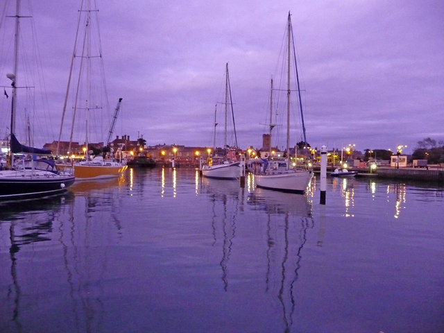 Yarmouth Harbour at Dusk