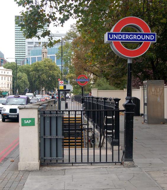 Regents Park underground station