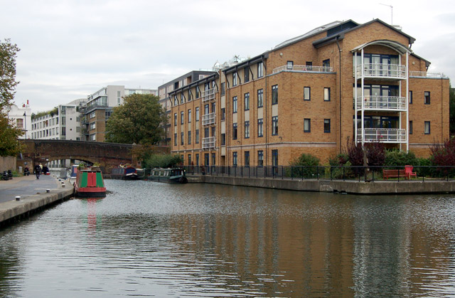 Looking east along the Regents Canal near City Road Basin, Islington