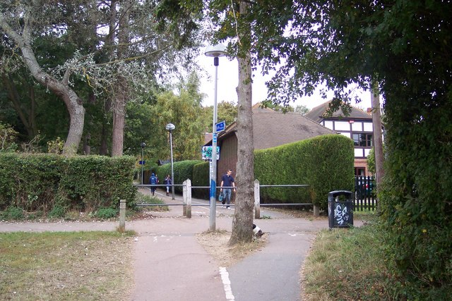 Footpath and Cyclepath to University of Kent