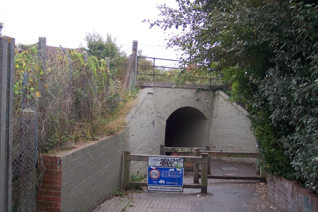 Hackington Place footpath under the railway