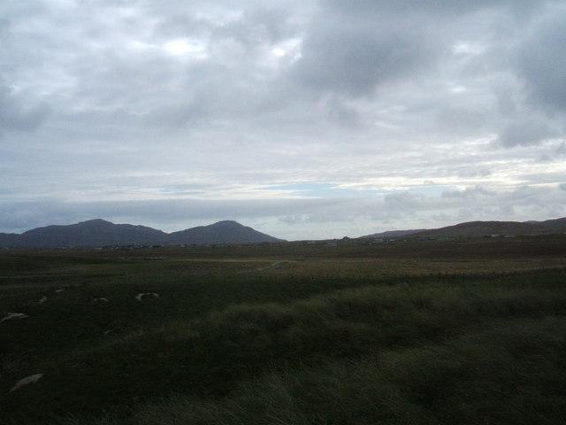 Looking East across the dunes towards Dalabrog