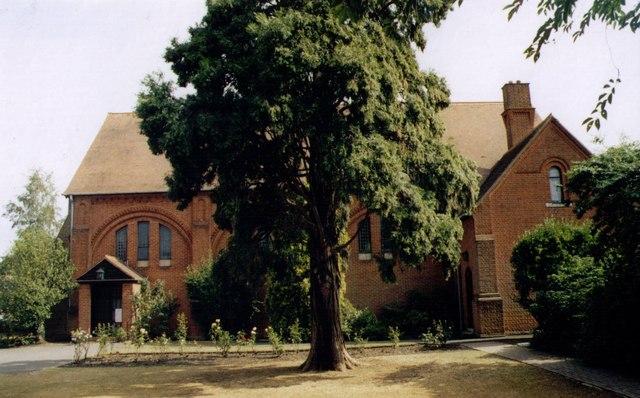 Holy Trinity, Knaphill