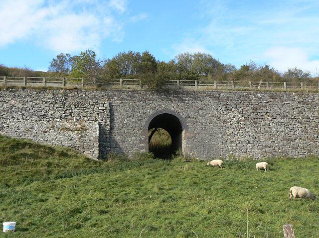 Railway embankment near Middleton