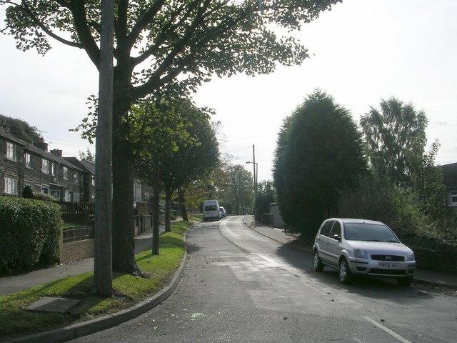 Woodlands Avenue - Woodlands Road