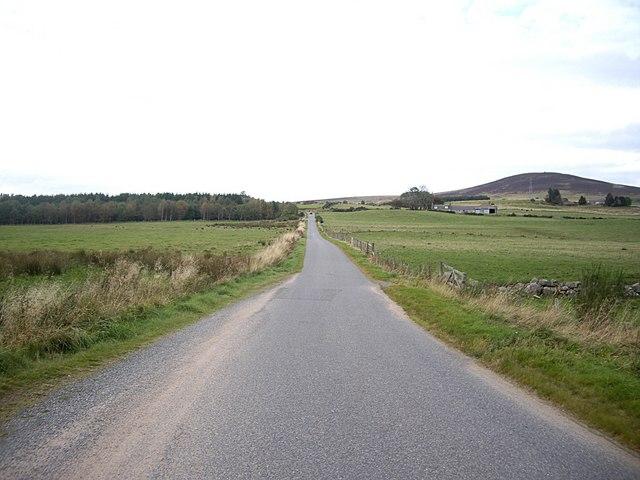 Road north from Green Burn bridge