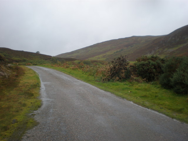 Road going towards Loch Buidhe along Srath Carnaig
