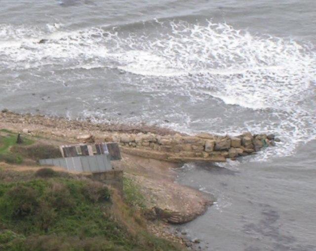 Boat house & Jetty below West Hill
