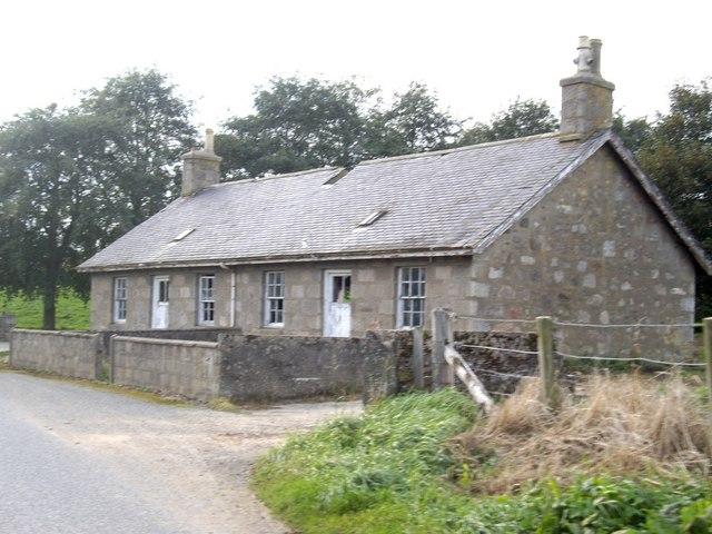 Abandoned cottages at Dunscroft