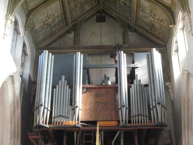 St. Cyprian's Church, Glentworth Street, NW1 - organ
