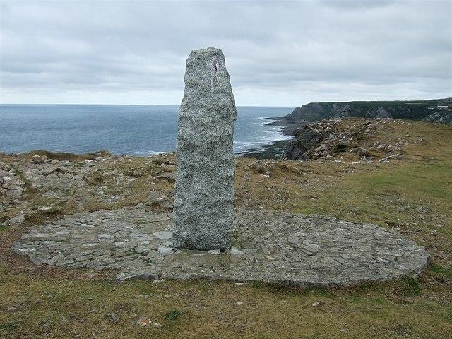 Monument atop Port-Eynon Point
