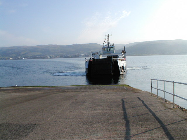 The ferry approaches the jetty on Great Cumbrae