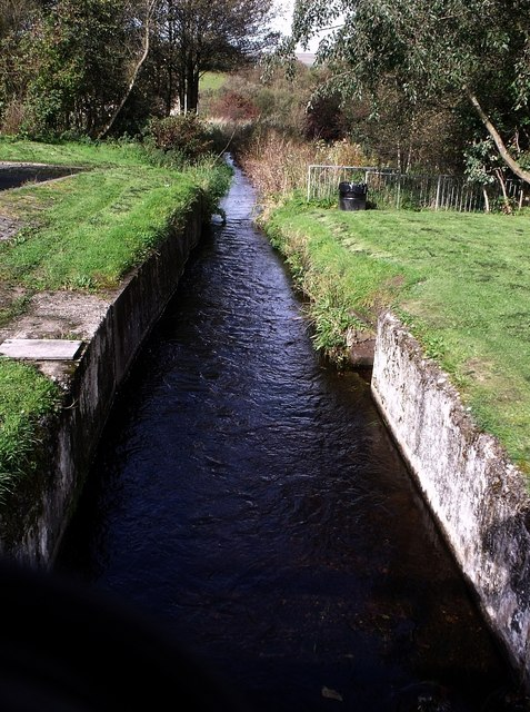 Canal feeder at Craigmarloch
