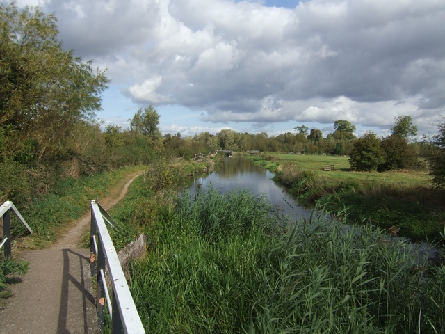 Trent and Mersey Canal/River Trent