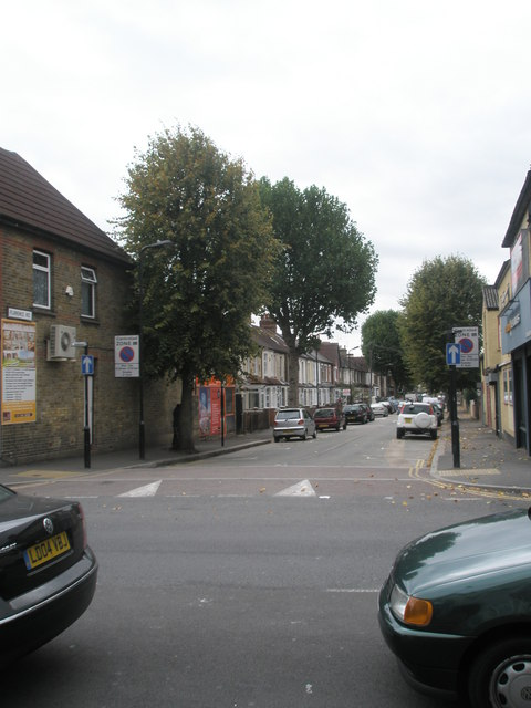 Looking across Western Road into Florence Road
