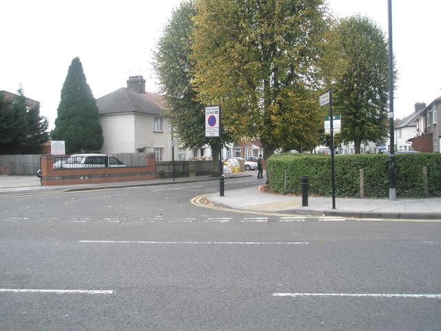 Looking across Montague Waye towards Montague Road