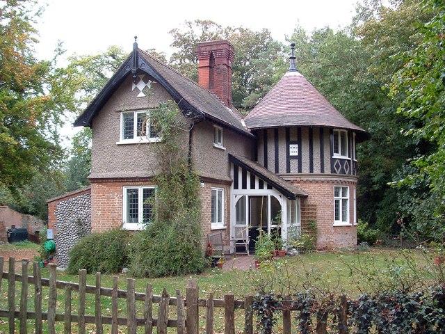 Lodge house, Sheringham Park entrance