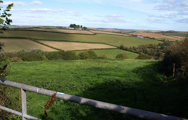 Field and view near Horsecombe