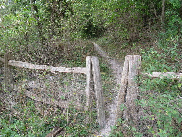 Start of permissive path that connects the two bridleways to Poynings