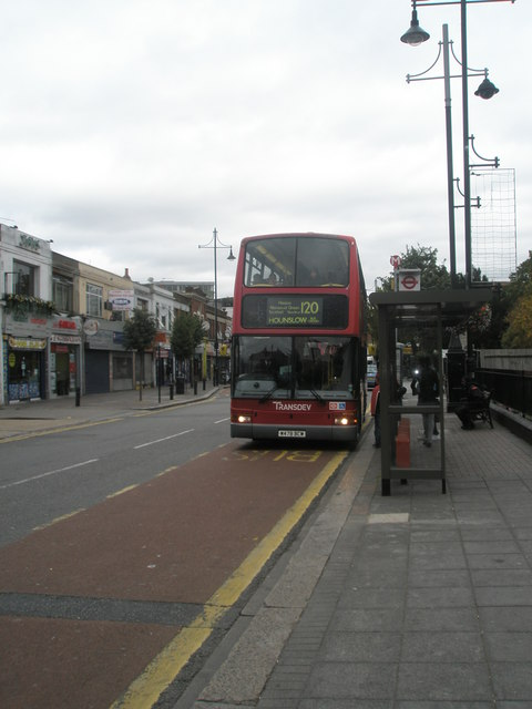 Hounslow bound bus in The Green