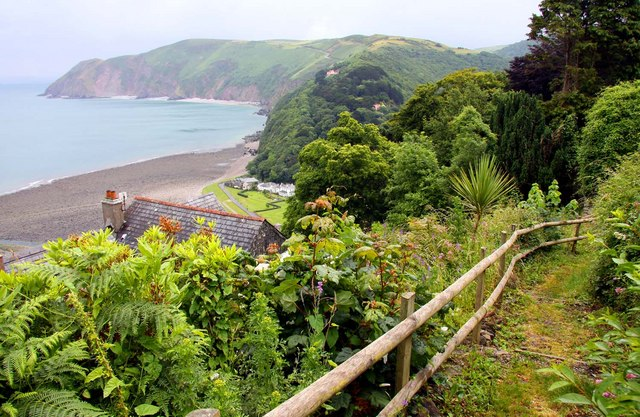 Fence along the cliff top in Lynton