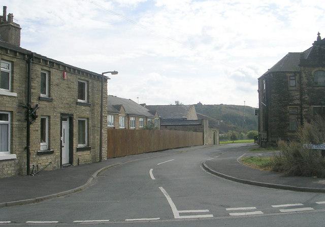 Belgrave Crescent - Belgrave Avenue
