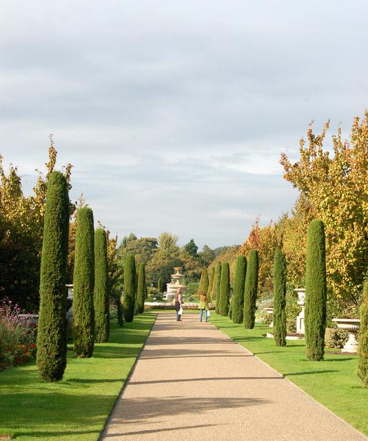 Avenue Gardens, Regents Park (1)