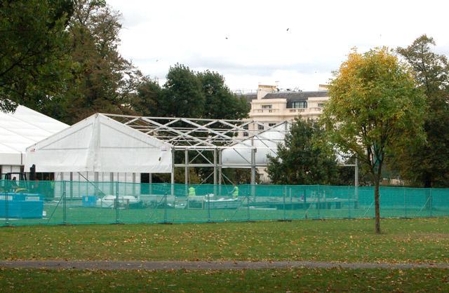 Preparing for Frieze Art Fair, Regents Park (6)