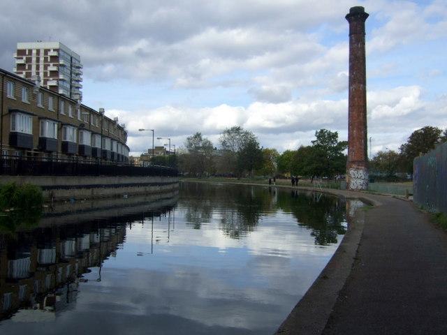 Regent's Canal  approaching Mile End park