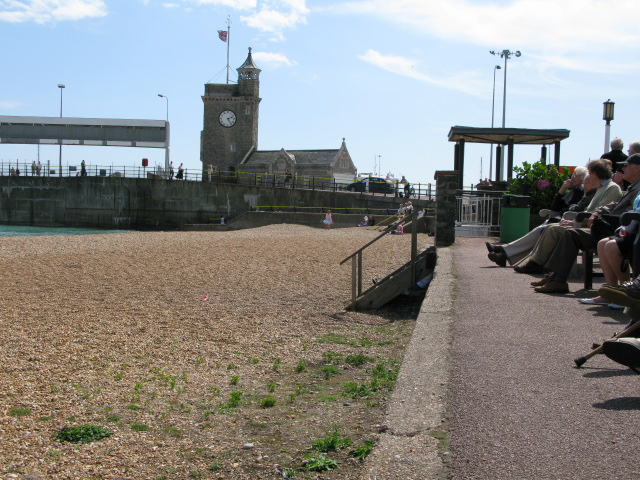 View along promenade to the start of Prince of Wales pier