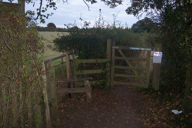 Footpath junction near Biddenden
