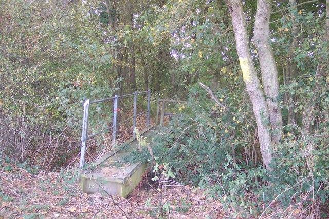 Footbridge near Wagstaff Farm