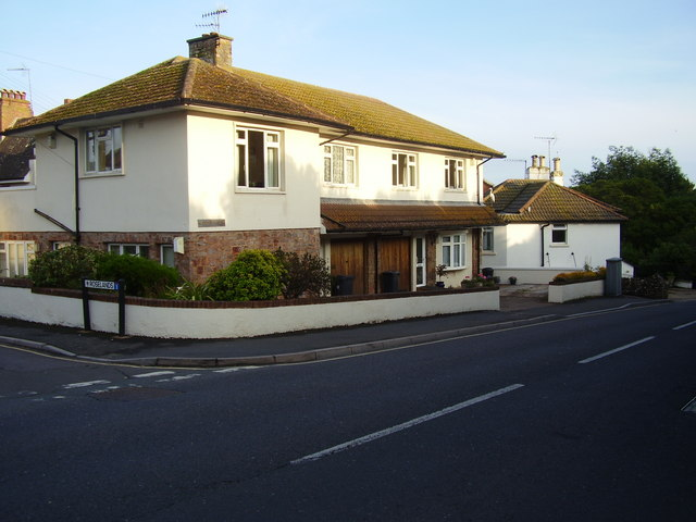 Roselands Court, Station Road