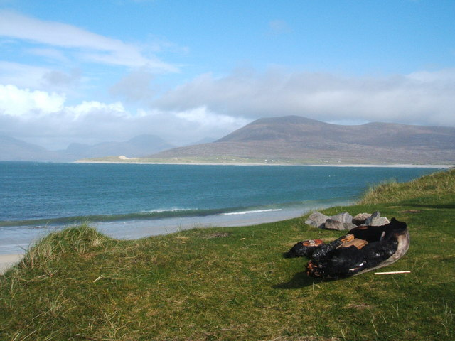 Picnic fire remains at  Traig Niaosaboist