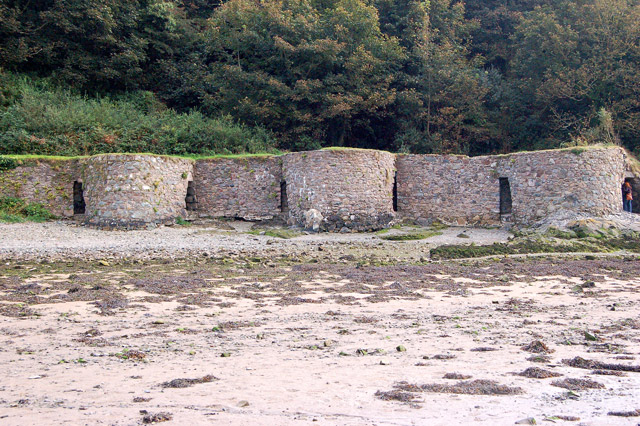 Limekilns at low water, Solva