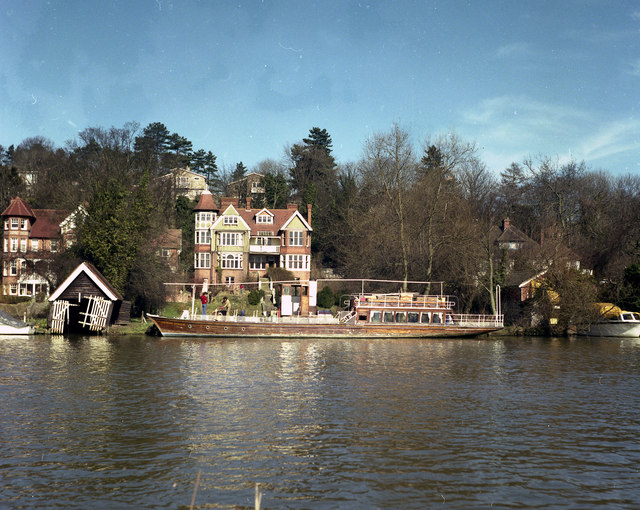 Riverside house and boat